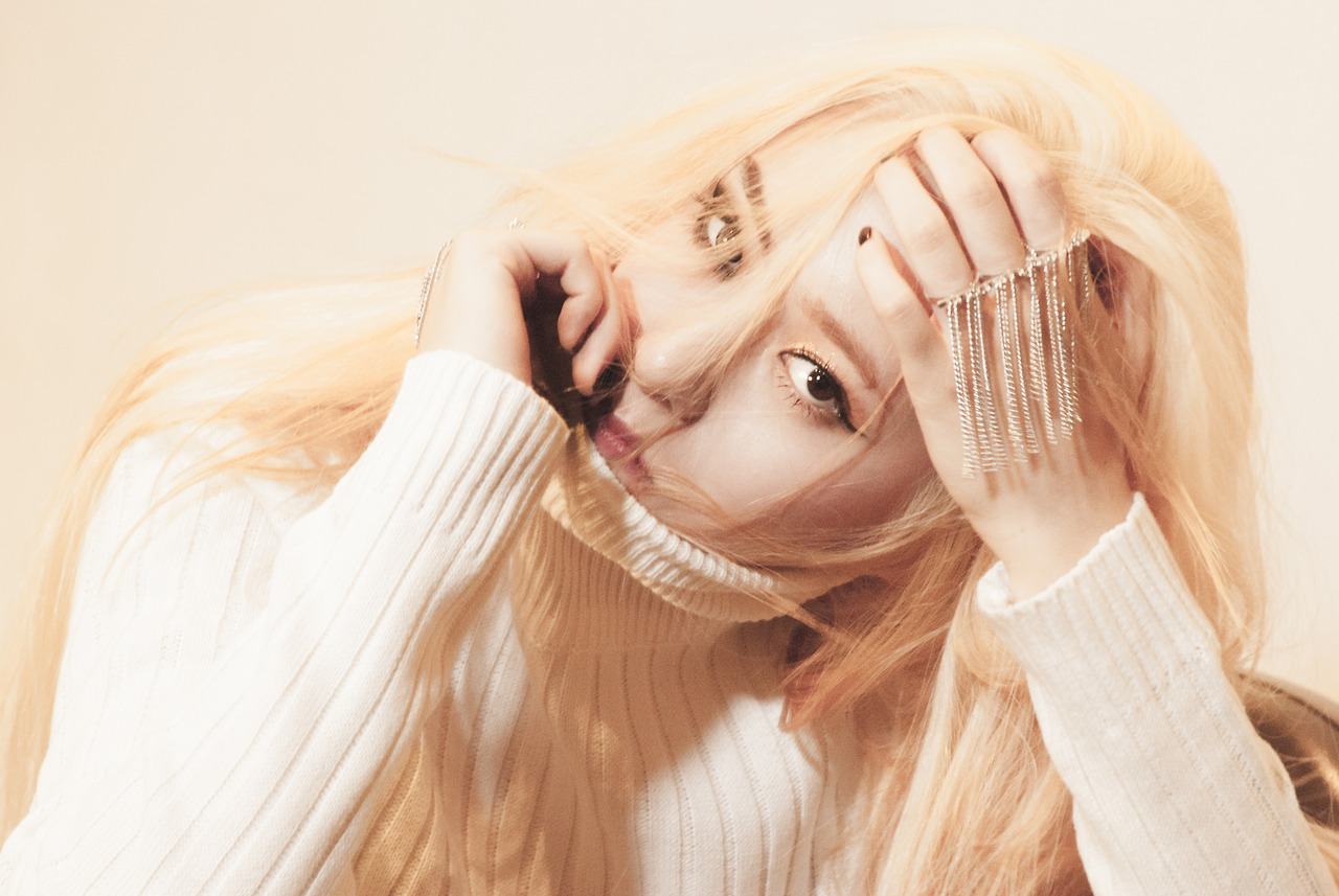 f(x) releases Krystal's comeback teaser photos as comeback ...