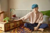 YOONGI HAS BLUE HAIR OH MY LORD